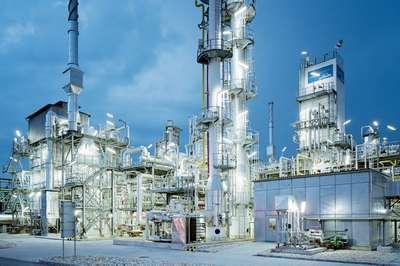 Solutions_Slider_CHM_IndustrialGases